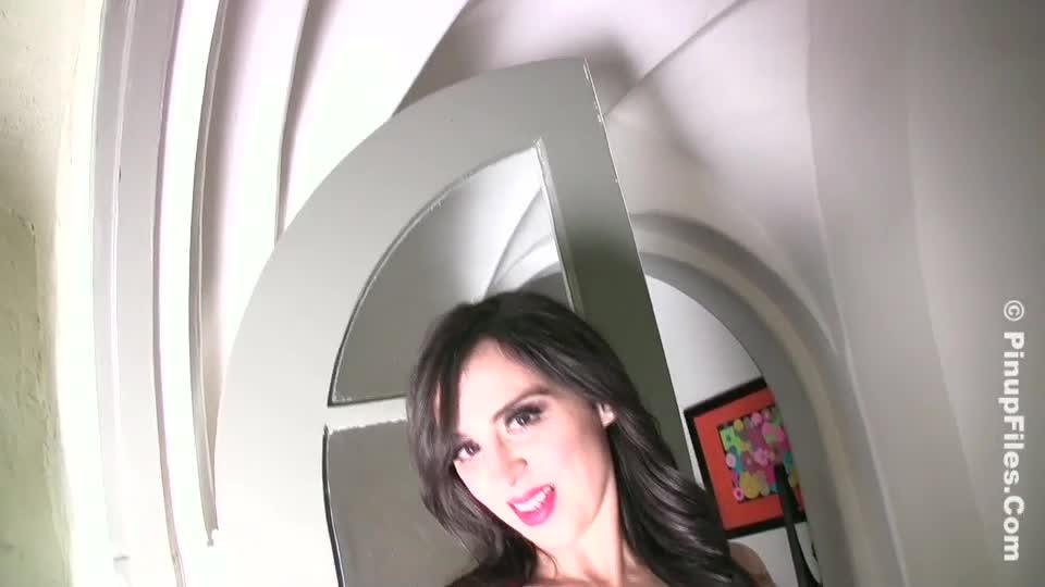 Sarah genova  sarah genova  hot pink 2  oiled up great breasts
