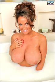 Sarah Nicola Randall - Milk Bath - Set 2